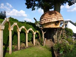Acorn_treehouse260x195